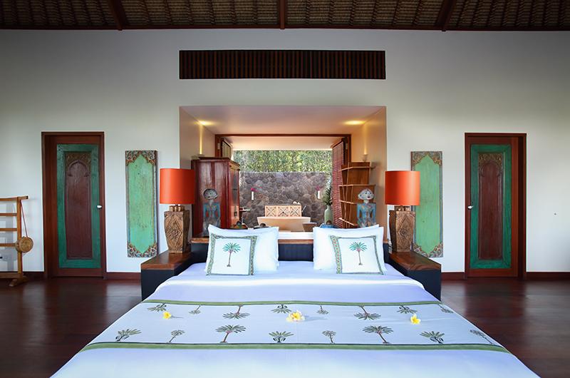 Bedroom with Wooden Floor - Villa Palem - Tabanan, Bali