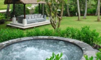 Outdoor Jacuzzi - Villa Palm River - Pererenan, Bali