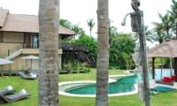 Pool Side Loungers - Villa Palm River - Pererenan, Bali
