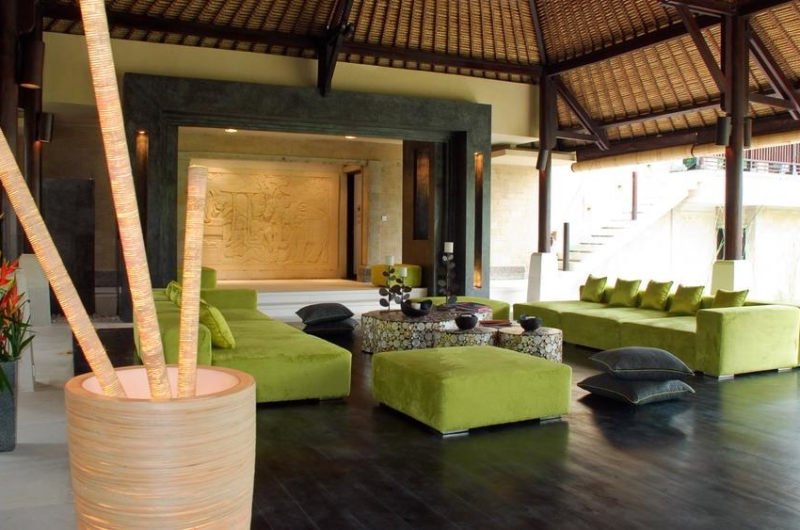 Living Area with Wooden Floor - Villa Palm River - Pererenan, Bali