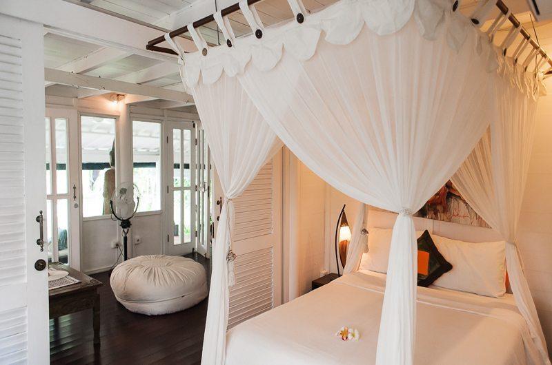 Bedroom with Mosquito Net - Villa Pandora - Seminyak, Bali