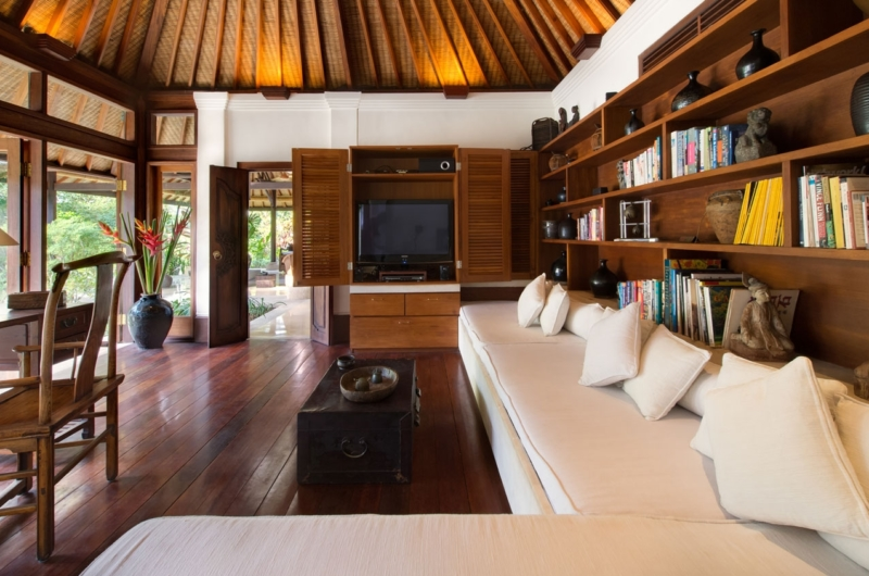 Lounge Area with TV - Villa Pangi Gita - Pererenan, Bali