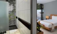 Bedroom and Bathroom - Villa Paya Paya - Seminyak, Bali