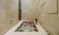 Romantic Bathtub Set Up - Villa Portsea - Seminyak, Bali