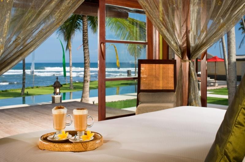 Bedroom with Sea View - Villa Pushpapuri - Sanur, Bali
