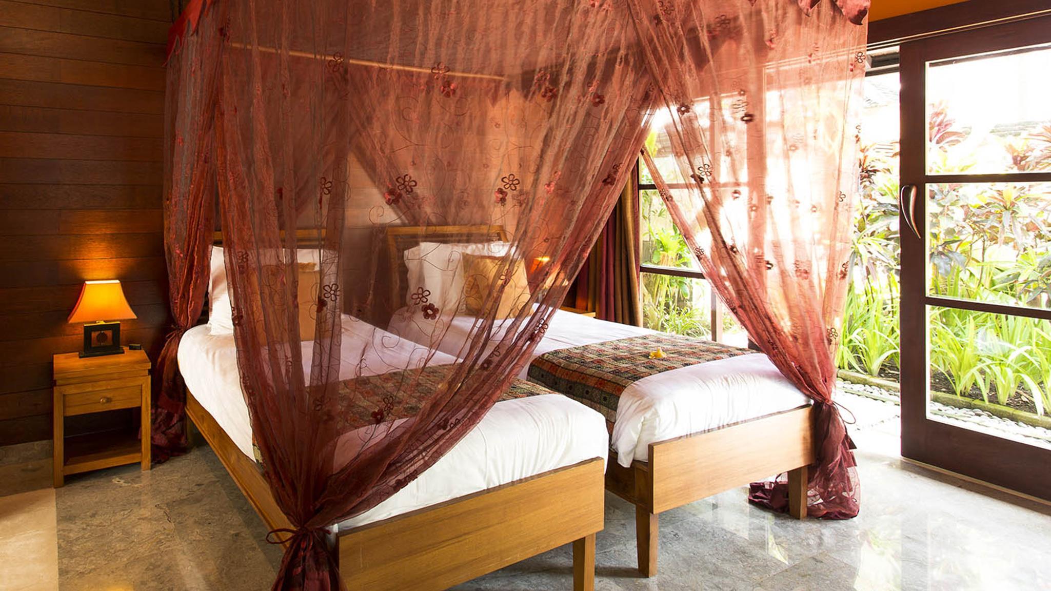 Twin Bedroom with View - Villa Pushpapuri - Sanur, Bali