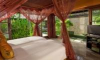 Twin Bedroom with TV - Villa Pushpapuri - Sanur, Bali