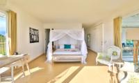 Spacious Bedroom - Villa Putih - Nusa Lembongan, Bali