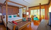 Bedroom with Sofa - Villa Pyaar - Seminyak, Bali