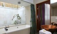 Bathroom with Bathtub - Villa Pyaar - Seminyak, Bali