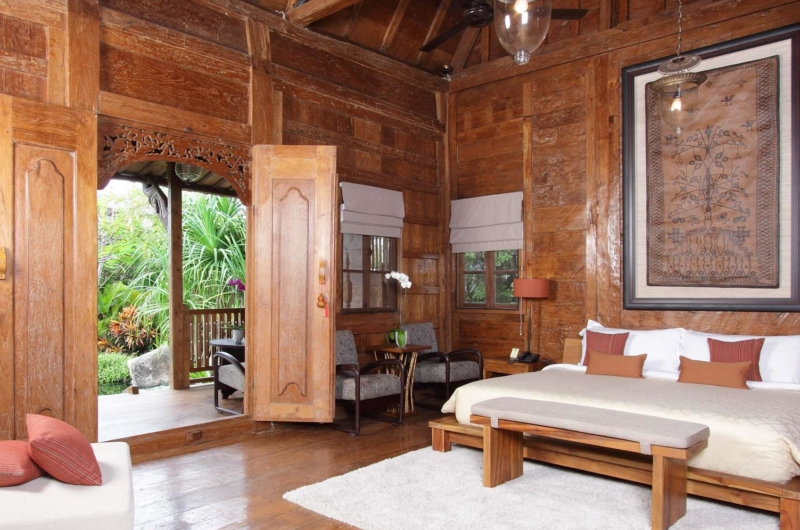 Bedroom with Wooden Floor - Villa Radha - Canggu, Bali