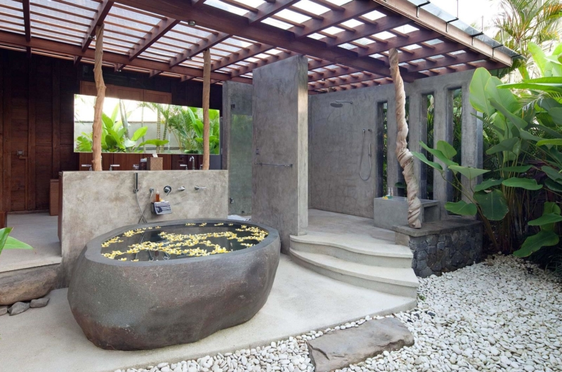 Open Plan Bathtub - Villa Radha - Canggu, Bali