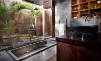 Bathroom with Bathtub - Villa Raj - Sanur, Bali