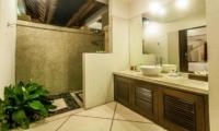Bathroom with Shower - Villa Rama - Seminyak, Bali