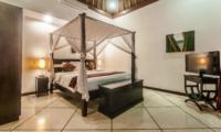 Bedroom with TV - Villa Rama - Seminyak, Bali