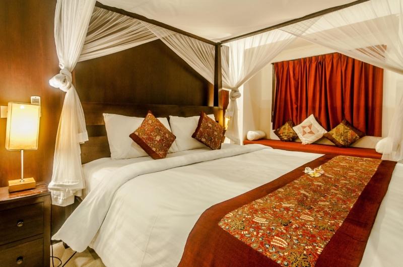 Bedroom with Seating Area - Villa Rama - Seminyak, Bali