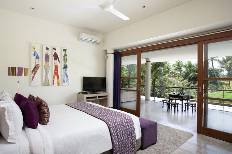 Bedroom and Balcony - Villa Sally - Canggu, Bali