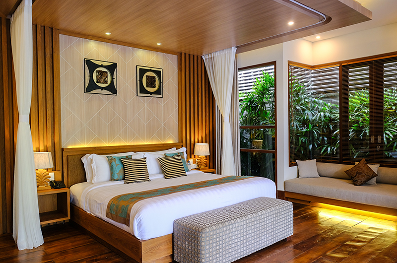 Bedroom with Seating Area - Villa Sally - Canggu, Bali