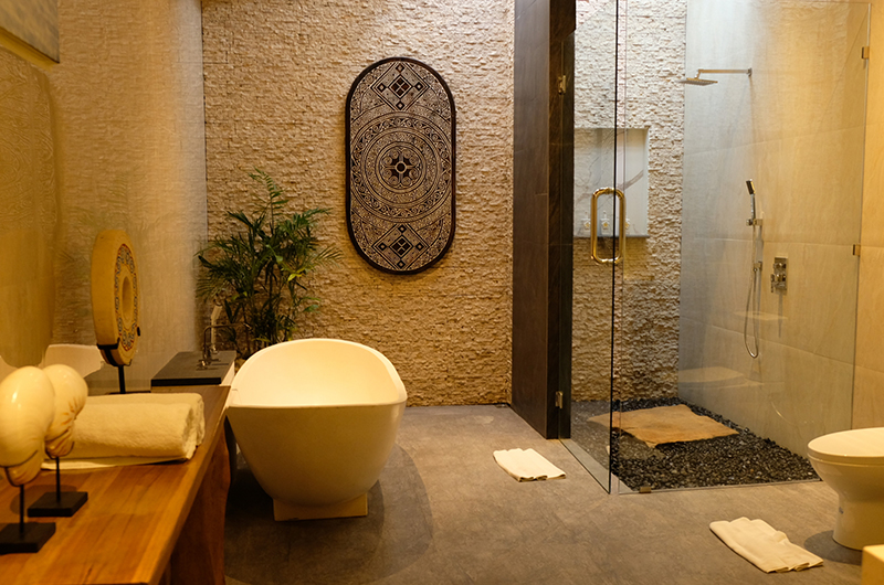 En-Suite Bathroom - Villa Sally - Canggu, Bali