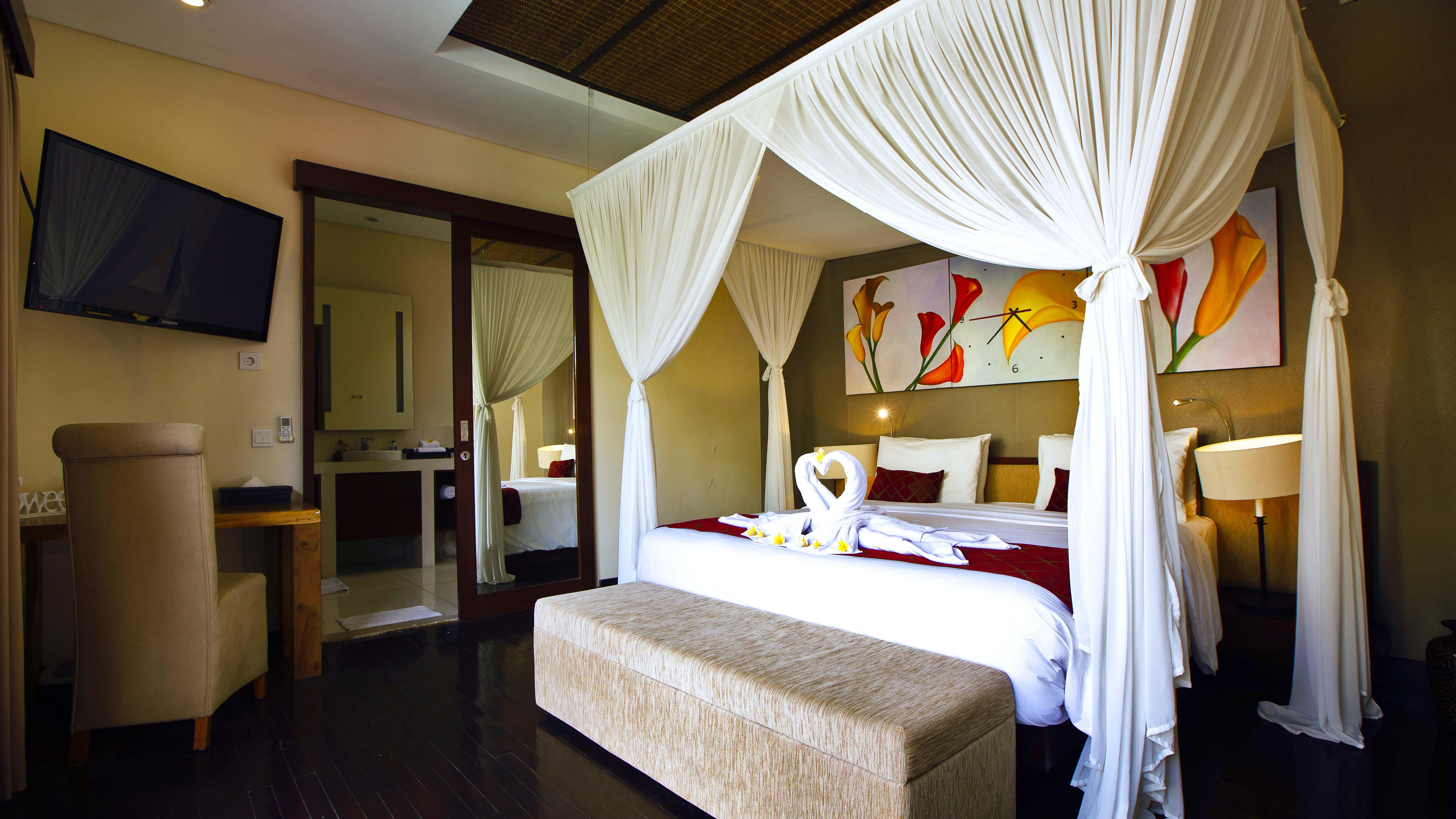 Bedroom and Bathroom - Villa Sam Seminyak - Seminyak, Bali