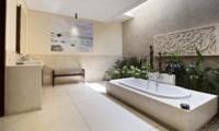Bathtub - Villa Sam Seminyak - Seminyak, Bali