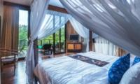 Bedroom and Balcony - Villa Samaki - Ubud, Bali