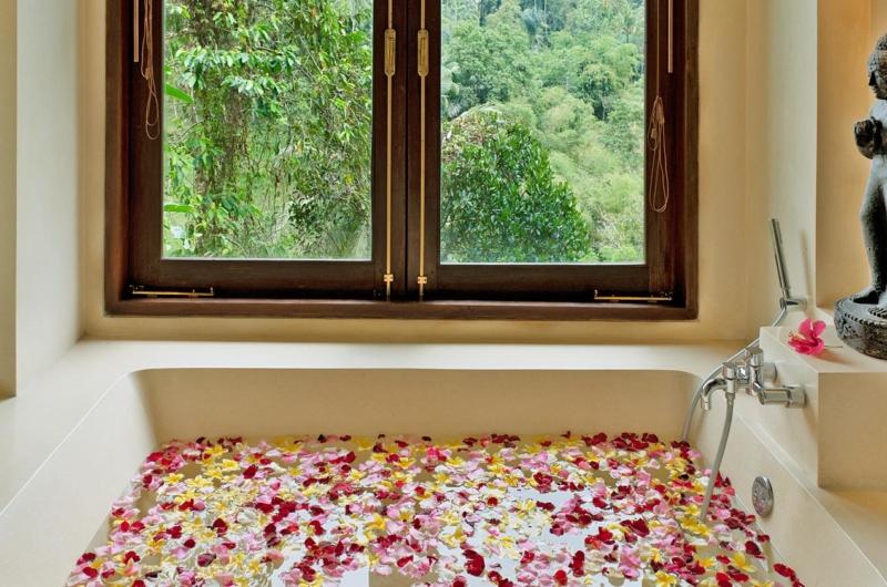 Romantic Bathtub Set Up - Villa Samaki - Ubud, Bali