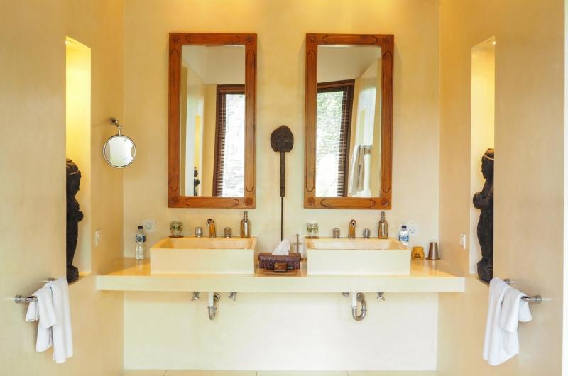 His and Hers Bathroom - Villa Samaki - Ubud, Bali