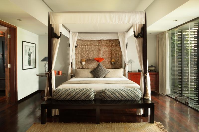 Four Poster Bed with Wooden Floor - Villa Samuan - Seminyak, Bali