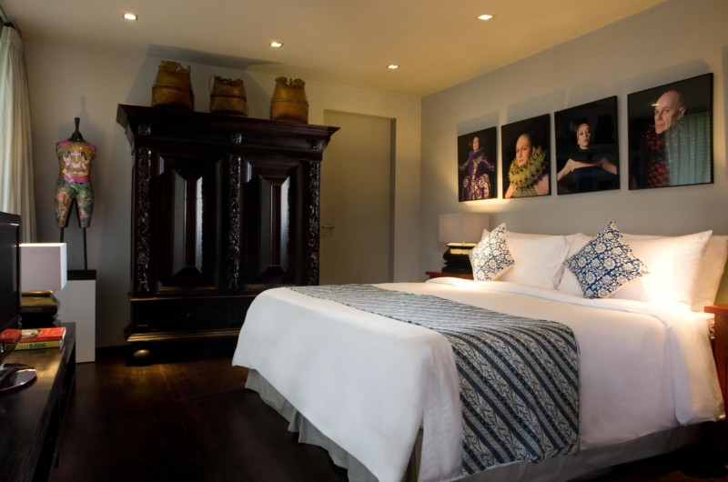 Bedroom with Wooden Floor - Villa Samuan - Seminyak, Bali