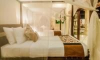 Twin Bedroom with View - Villa Santai - Seminyak, Bali