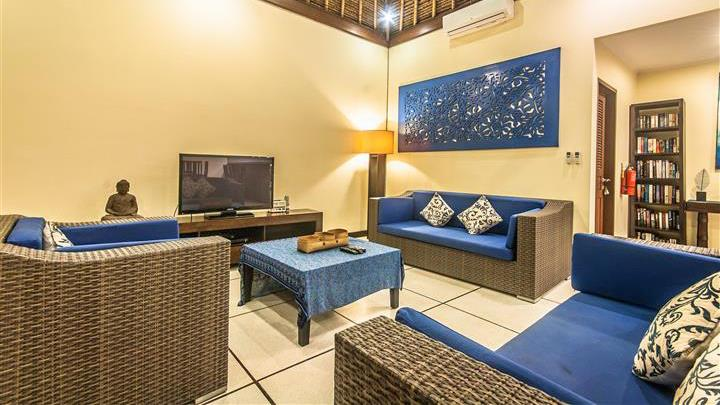 Lounge Area with TV - Villa Saphir - Seminyak, Bali