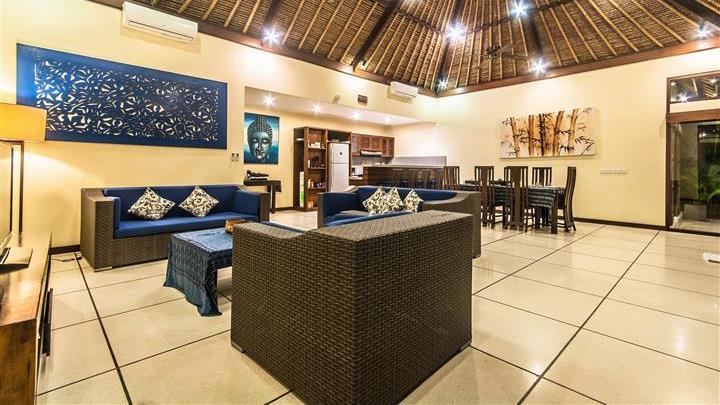 Living and Dining Area - Villa Saphir - Seminyak, Bali