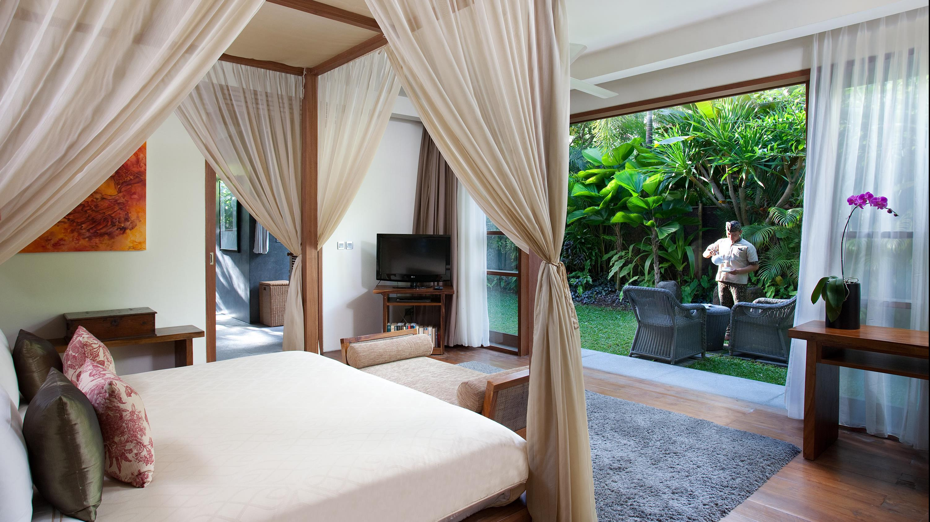 Bedroom with Garden View - Villa Sarasvati - Canggu, Bali