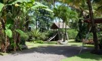 Lawns - Villa Sarasvati - Canggu, Bali