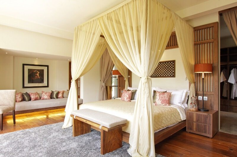 Four Poster Bed with Sofa - Villa Sati - Canggu, Bali