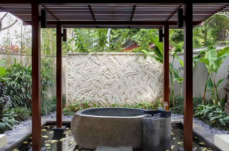 Open Plan Bathtub - Villa Sati - Canggu, Bali