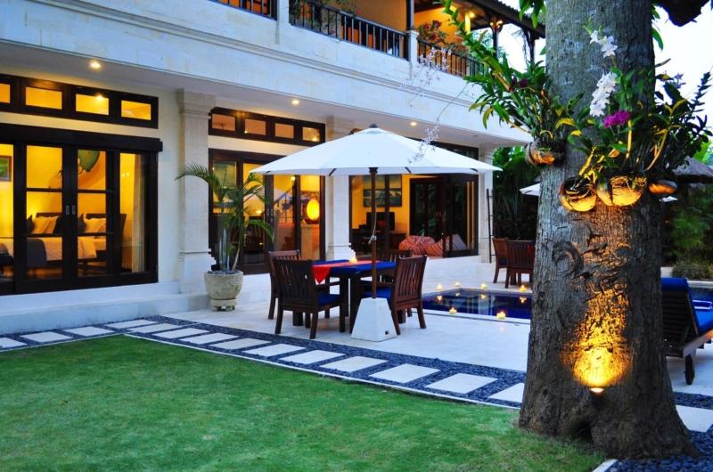 Outdoor Dining with Pool View - Villa Sayang - Seminyak, Bali