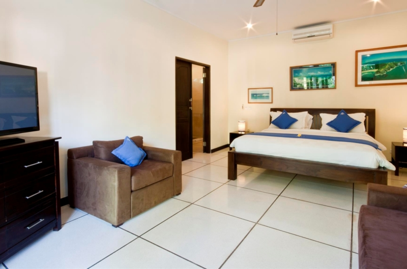 Bedroom with TV - Villa Sayang - Seminyak, Bali