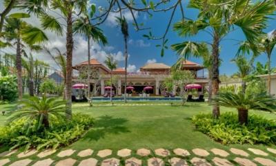 Gardens and Pool - Villa Sayang D'Amour - Seminyak, Bali