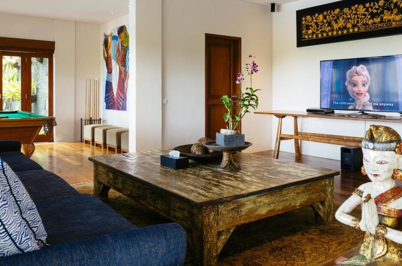 Lounge Area with TV - Villa Semarapura - Seseh, Bali