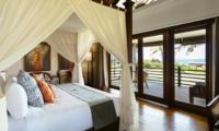 Bedroom and Balcony - Villa Semarapura - Seseh, Bali
