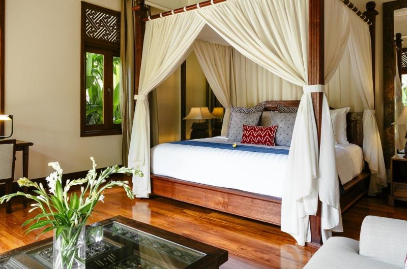 Bedroom with Wooden Floor - Villa Semarapura - Seseh, Bali