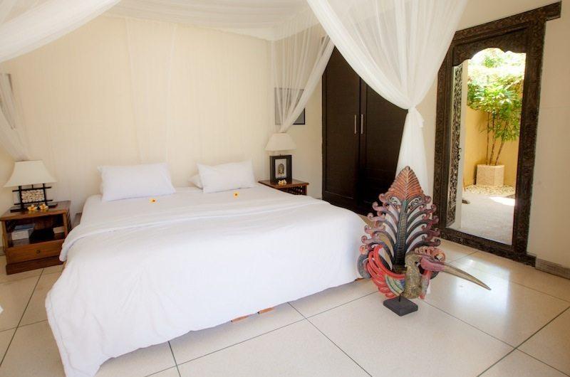King Size Bed - Villa Senang - Batubelig, Bali