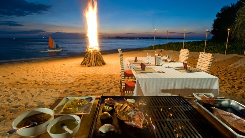 Dining at Beach - Villa Sepoi Sepoi - Lombok, Indonesia