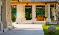 Pathway - Villa Sepoi Sepoi - Lombok, Indonesia