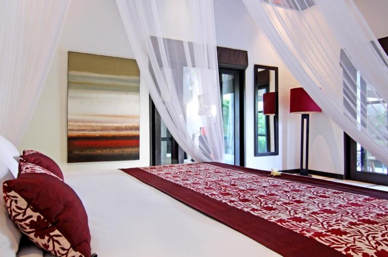 Bedroom with Mosquito Net - Villa Sesari - Seminyak, Bali