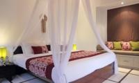 Bedroom with Sofa - Villa Sesari - Seminyak, Bali