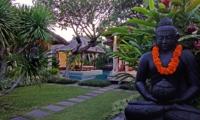 Statue in the Garden - Villa Sesari - Seminyak, Bali