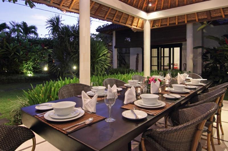 Indoor Dining Area with View - Villa Sesari - Seminyak, Bali